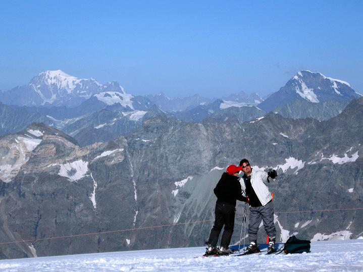 Foto: Andreas Koller / Wander Tour / Pollux (4092 m) / Montblanc (4810 m) und Dent Blanche (4357 m) / 04.09.2009 11:11:40