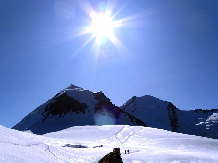 Foto: Andreas Koller / Wander Tour / Pollux (4092 m) / Pollux und Castor (4228 m) im Gegenlicht / 04.09.2009 11:08:31