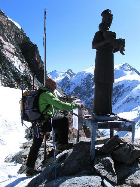 Foto: Andreas Koller / Wander Tour / Pollux (4092 m) / Bei der italienischen Madonna-Statue / 04.09.2009 11:04:21