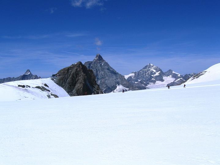 Foto: Andreas Koller / Wander Tour / Pollux (4092 m) / Matterhorn (4478 m) und Dent Blanche (4357 m) / 04.09.2009 10:53:37