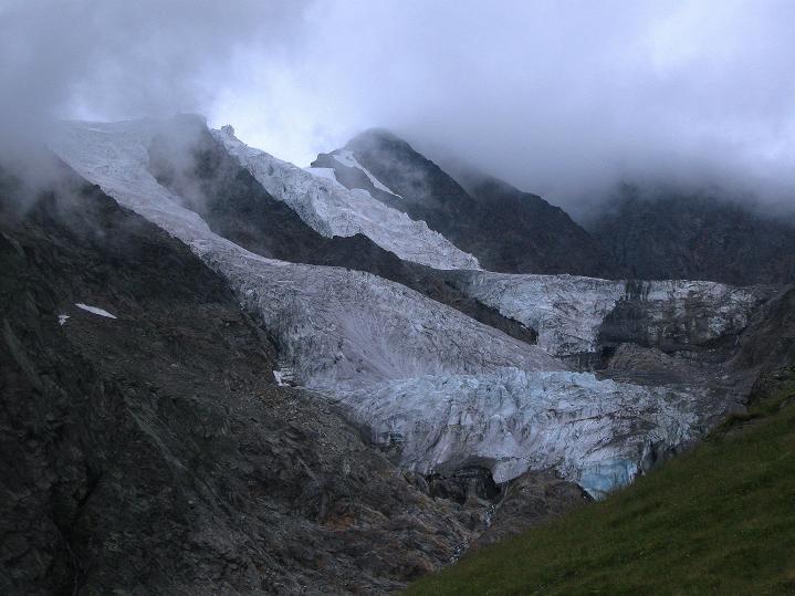 Foto: Andreas Koller / Wander Tour / In die Mischabelkette: Nadelhorn (4327 m) und Ulrichshorn (3925 m) / 05.09.2009 15:49:39