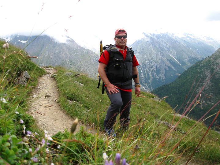 Foto: Andreas Koller / Wander Tour / In die Mischabelkette: Nadelhorn (4327 m) und Ulrichshorn (3925 m) / 05.09.2009 15:49:33