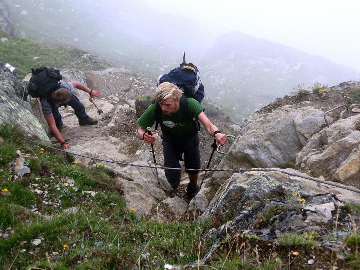 Foto: Andreas Koller / Wander Tour / In die Mischabelkette: Nadelhorn (4327 m) und Ulrichshorn (3925 m) / 05.09.2009 15:48:13