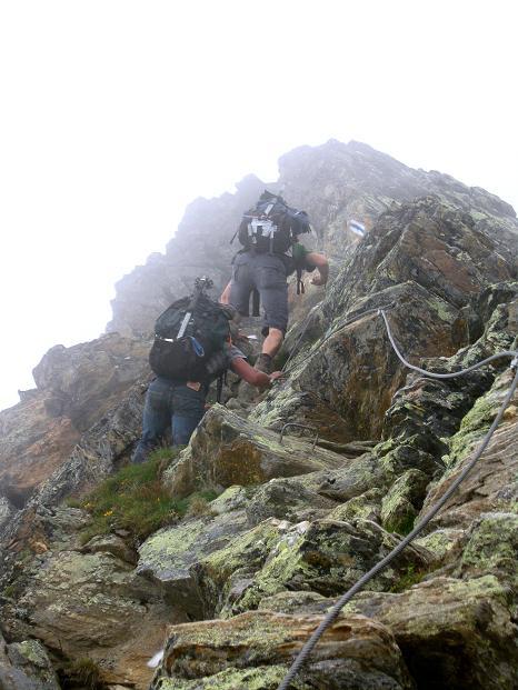 Foto: Andreas Koller / Wander Tour / In die Mischabelkette: Nadelhorn (4327 m) und Ulrichshorn (3925 m) / 05.09.2009 15:47:50