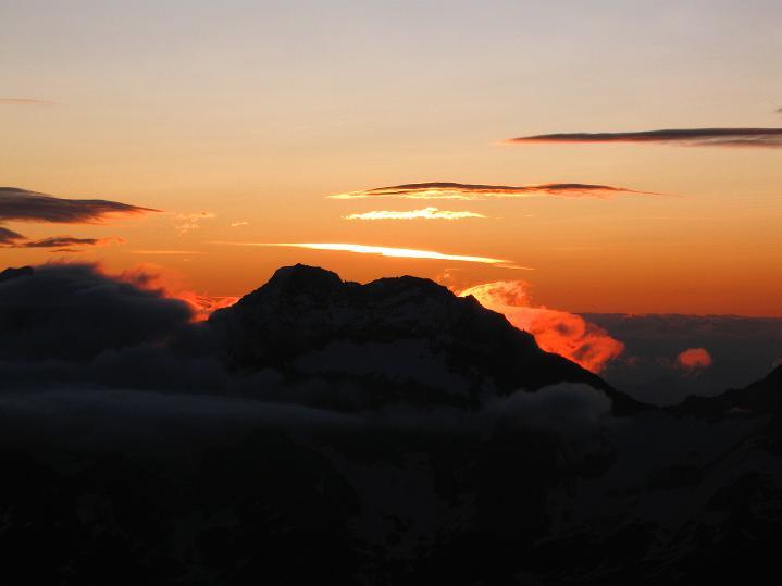 Foto: Andreas Koller / Wander Tour / In die Mischabelkette: Nadelhorn (4327 m) und Ulrichshorn (3925 m) / 05.09.2009 15:45:35