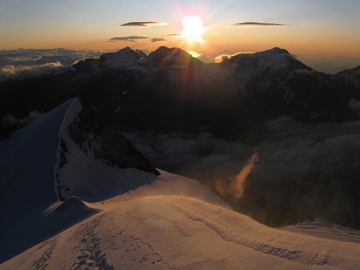 Foto: Andreas Koller / Wander Tour / In die Mischabelkette: Nadelhorn (4327 m) und Ulrichshorn (3925 m) / 05.09.2009 15:45:07