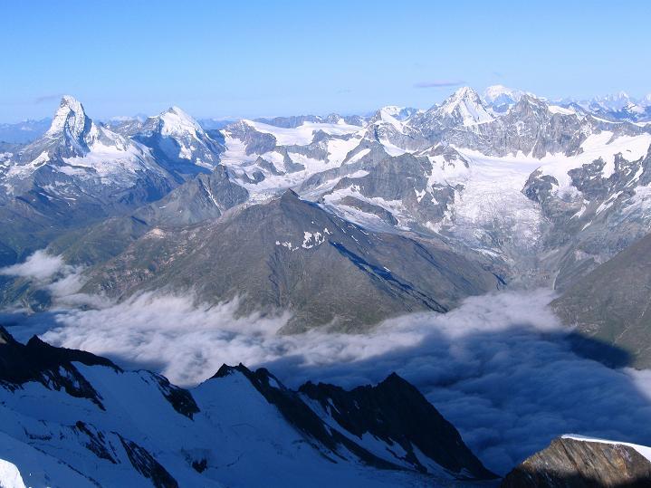 Foto: Andreas Koller / Wander Tour / In die Mischabelkette: Nadelhorn (4327 m) und Ulrichshorn (3925 m) / 05.09.2009 15:43:38