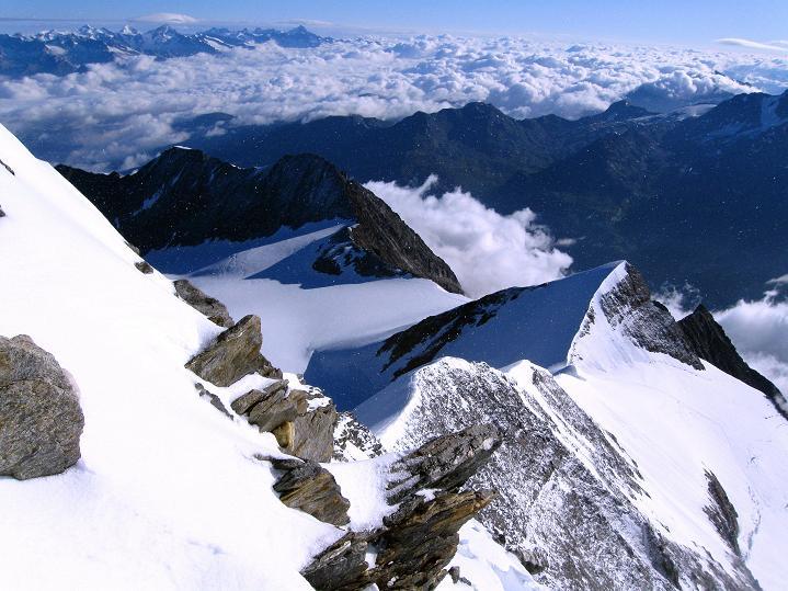Foto: Andreas Koller / Wander Tour / In die Mischabelkette: Nadelhorn (4327 m) und Ulrichshorn (3925 m) / 05.09.2009 15:41:56