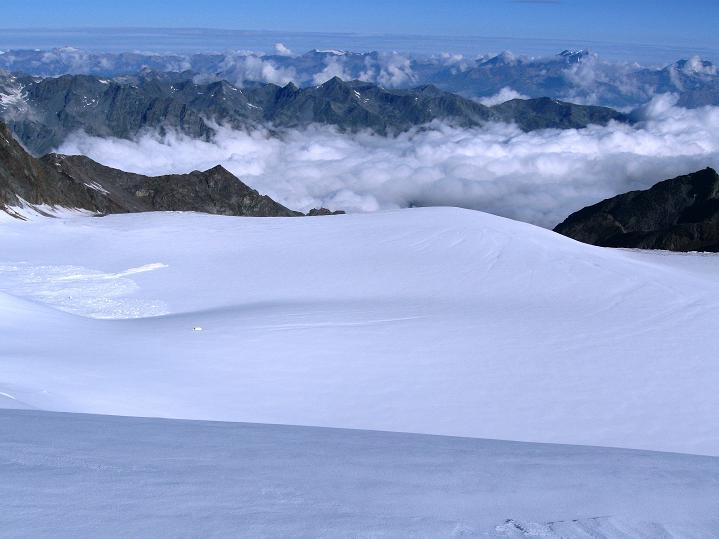 Foto: Andreas Koller / Wander Tour / In die Mischabelkette: Nadelhorn (4327 m) und Ulrichshorn (3925 m) / 05.09.2009 15:38:35