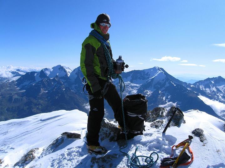 Foto: Andreas Koller / Wander Tour / In die Mischabelkette: Nadelhorn (4327 m) und Ulrichshorn (3925 m) / Am Ulrichshorn / 05.09.2009 15:37:24