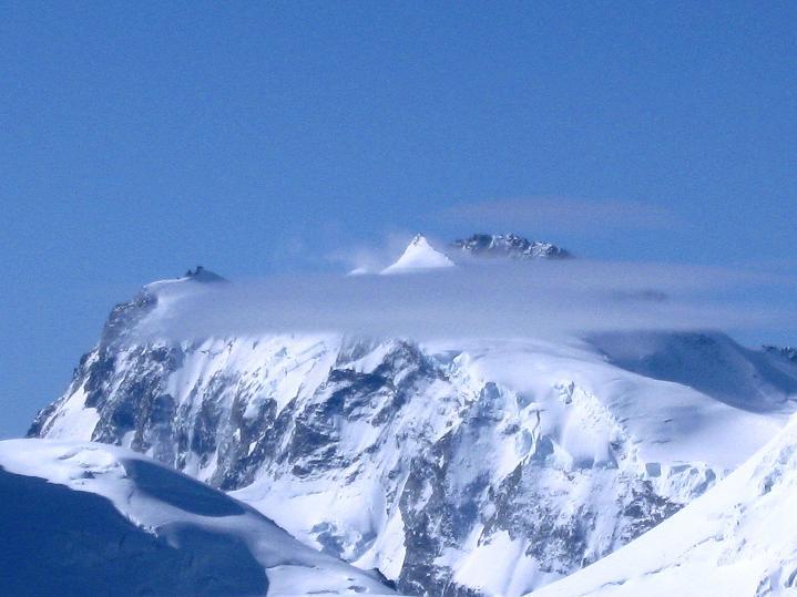Foto: Andreas Koller / Wander Tour / In die Mischabelkette: Nadelhorn (4327 m) und Ulrichshorn (3925 m) / Monte Rosa (4634 m) / 05.09.2009 15:36:16