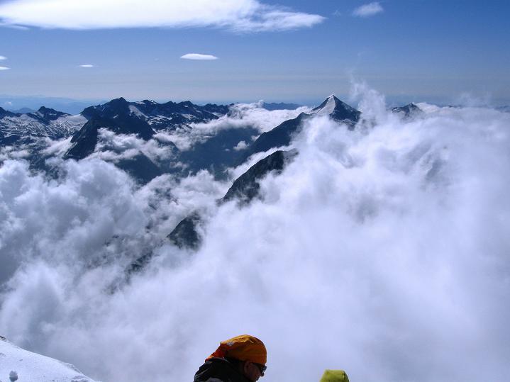 Foto: Andreas Koller / Wander Tour / In die Mischabelkette: Nadelhorn (4327 m) und Ulrichshorn (3925 m) / 05.09.2009 15:35:53