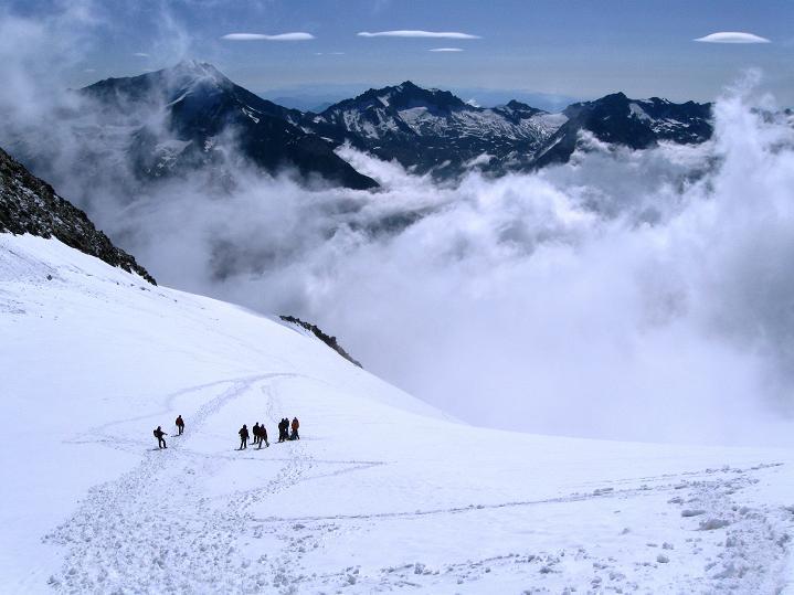 Foto: Andreas Koller / Wander Tour / In die Mischabelkette: Nadelhorn (4327 m) und Ulrichshorn (3925 m) / Windjoch / 05.09.2009 15:35:05