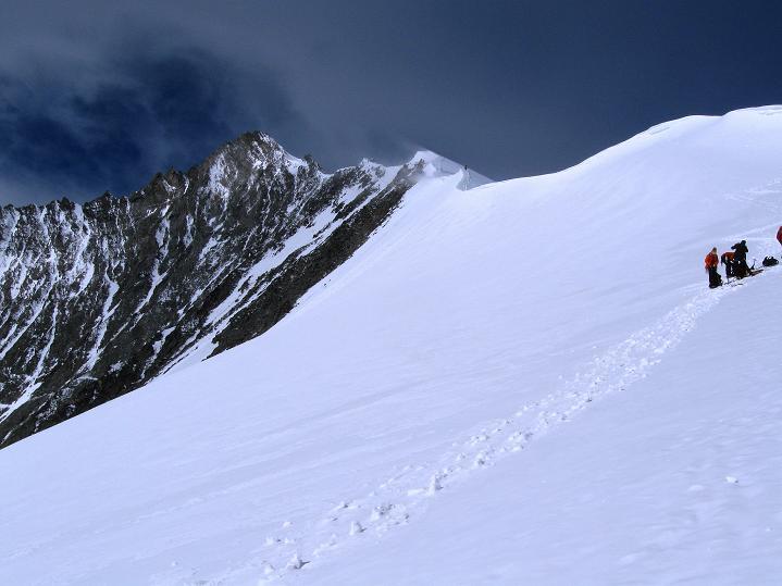 Foto: Andreas Koller / Wander Tour / In die Mischabelkette: Nadelhorn (4327 m) und Ulrichshorn (3925 m) / 05.09.2009 15:34:33