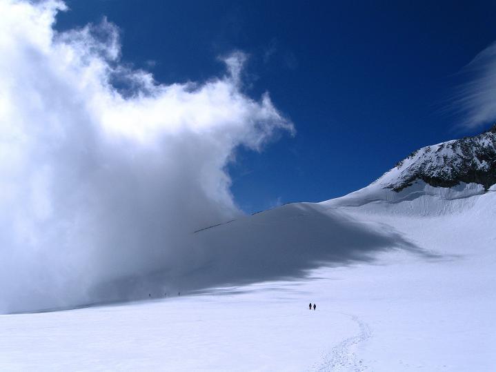 Foto: Andreas Koller / Wander Tour / In die Mischabelkette: Nadelhorn (4327 m) und Ulrichshorn (3925 m) / 05.09.2009 15:33:56