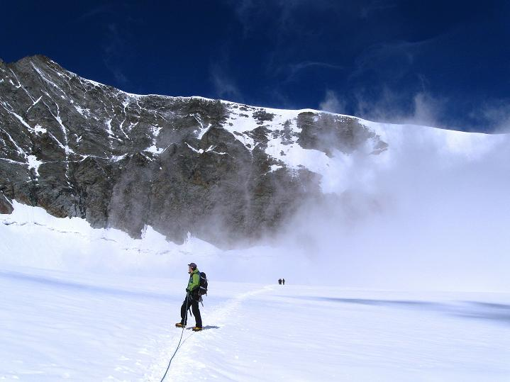 Foto: Andreas Koller / Wander Tour / In die Mischabelkette: Nadelhorn (4327 m) und Ulrichshorn (3925 m) / Am Hohbalmgletscher / 05.09.2009 15:32:58