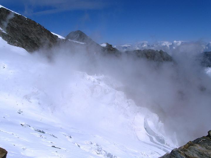Foto: Andreas Koller / Wander Tour / In die Mischabelkette: Nadelhorn (4327 m) und Ulrichshorn (3925 m) / 05.09.2009 15:32:39