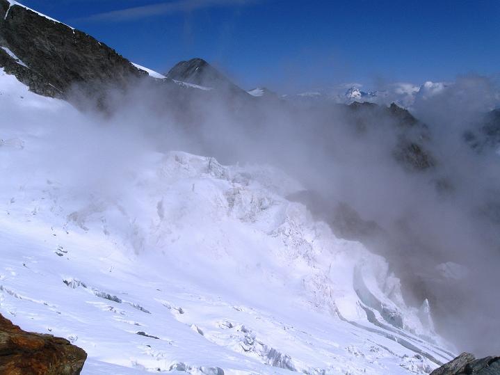 Foto: Andreas Koller / Wander Tour / In die Mischabelkette: Nadelhorn (4327 m) und Ulrichshorn (3925 m) / 05.09.2009 15:15:42