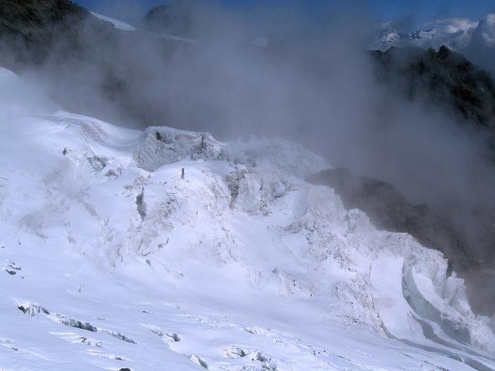 Foto: Andreas Koller / Wander Tour / In die Mischabelkette: Nadelhorn (4327 m) und Ulrichshorn (3925 m) / 05.09.2009 15:15:35