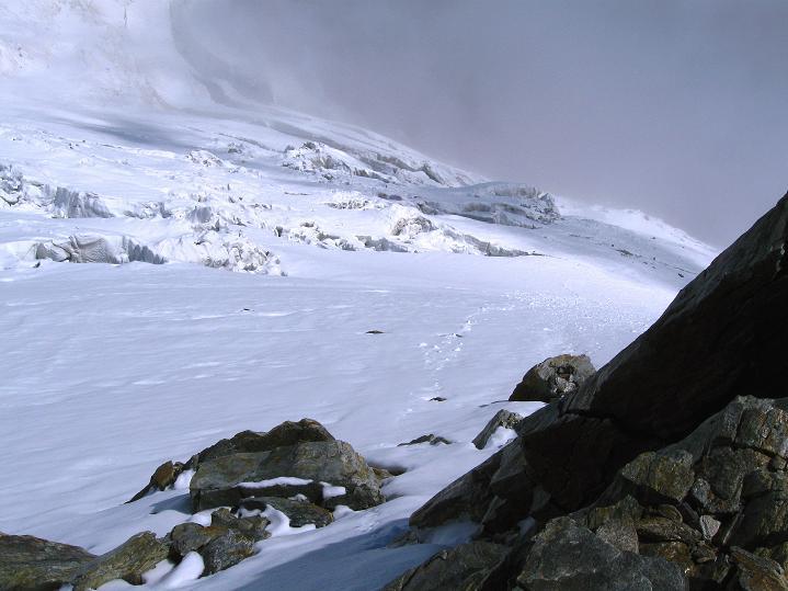 Foto: Andreas Koller / Wander Tour / In die Mischabelkette: Nadelhorn (4327 m) und Ulrichshorn (3925 m) / 05.09.2009 15:15:27