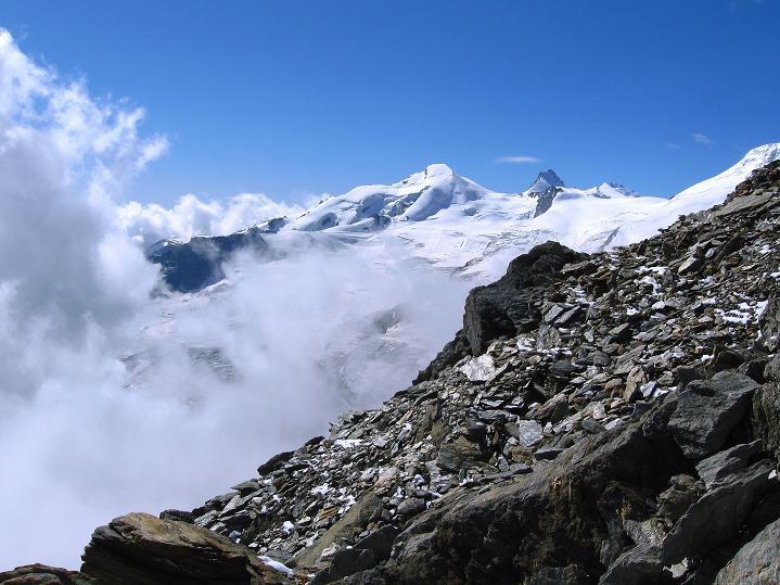 Foto: Andreas Koller / Wander Tour / In die Mischabelkette: Nadelhorn (4327 m) und Ulrichshorn (3925 m) / 05.09.2009 15:14:57