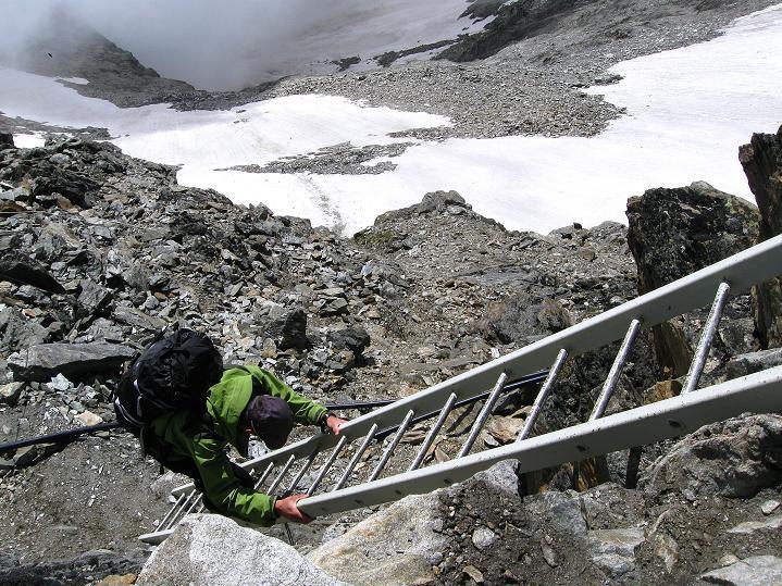 Foto: Andreas Koller / Wander Tour / In die Mischabelkette: Nadelhorn (4327 m) und Ulrichshorn (3925 m) / 05.09.2009 15:13:22