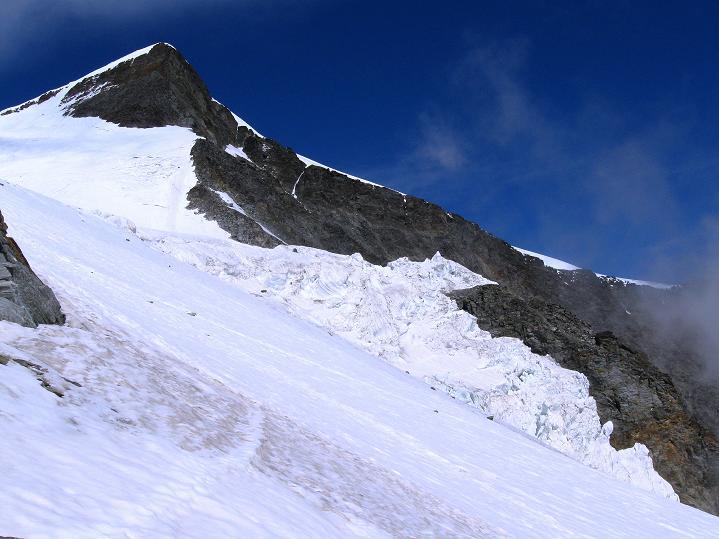 Foto: Andreas Koller / Wander Tour / In die Mischabelkette: Nadelhorn (4327 m) und Ulrichshorn (3925 m) / Ulrichshorn / 05.09.2009 15:13:10