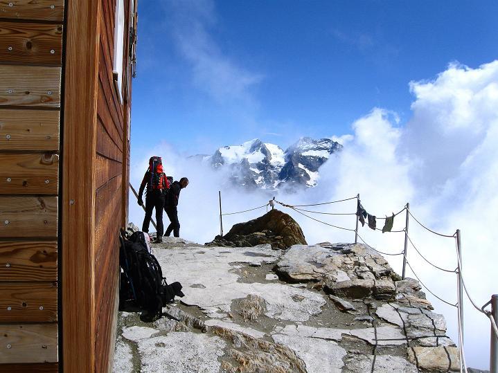 Foto: Andreas Koller / Wander Tour / In die Mischabelkette: Nadelhorn (4327 m) und Ulrichshorn (3925 m) / 05.09.2009 15:12:24