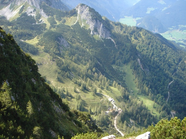 Foto: Manfred Karl / Wander Tour / Von Quehenberg auf den Schober / Tiefblick zur Gsengalm / 31.08.2009 21:21:15