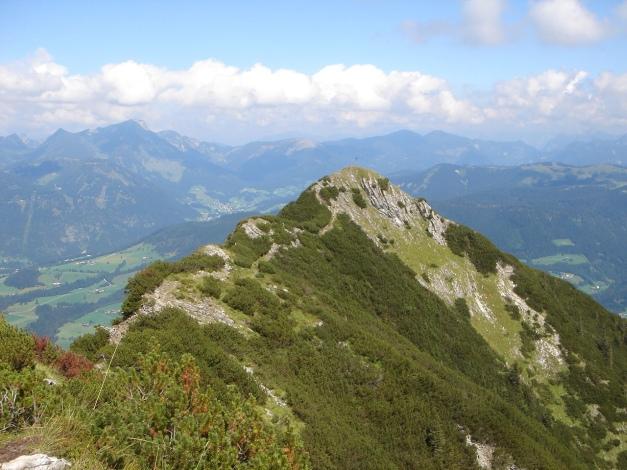 Foto: Manfred Karl / Wander Tour / Von Quehenberg auf den Schober / Der etwas niedrigere Nordostgipfel trägt das Gipfelkreuz / 31.08.2009 21:19:57