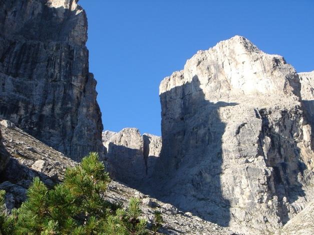 Foto: Manfred Karl / Kletter Tour / Östlicher Mur de Pisciadu, NO-Pfeiler, Via della Chiesa / Val Setus - Abstiegsmöglichkeit / 31.08.2009 23:19:32