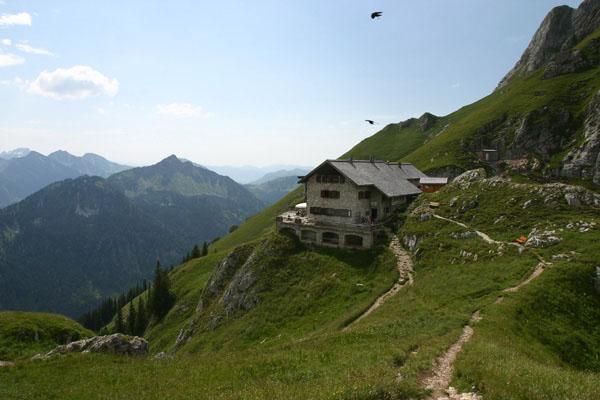 Foto: Christian Schickmayr / Wander Tour / Tannheimer Berge Überschreitung (3-Tagestour) / Die Bad Kissinger Hütte / 03.09.2009 17:18:40