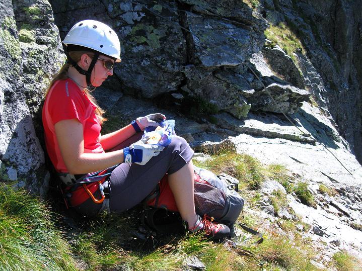 Foto: Andreas Koller / Klettersteig Tour / Bella Vista Klettersteig auf die Hohe Leier (2774 m) / Rast am Balkon / 06.09.2009 23:34:04