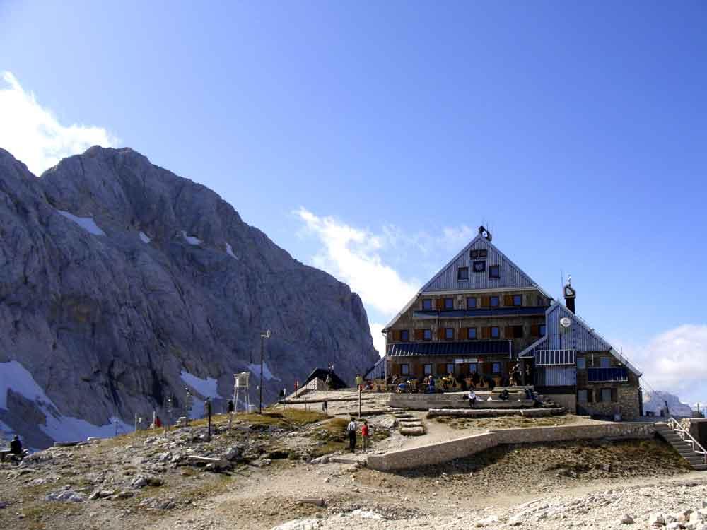 Foto: Datzi / Wander Tour / 4-Tages Biwakrundtour in den Julischen Alpen mit 3.Gipfelanstiegen (Triglav-Razor-Skrlatica) mit Klettersteig C-D / Triglavsky Dom / 04.09.2009 18:21:50