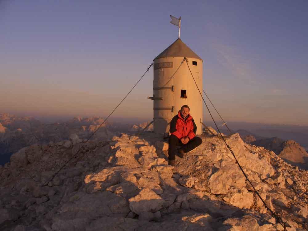 Foto: Datzi / Wander Tour / 4-Tages Biwakrundtour in den Julischen Alpen mit 3.Gipfelanstiegen (Triglav-Razor-Skrlatica) mit Klettersteig C-D / Der Sonnenaufgang / 04.09.2009 18:26:15