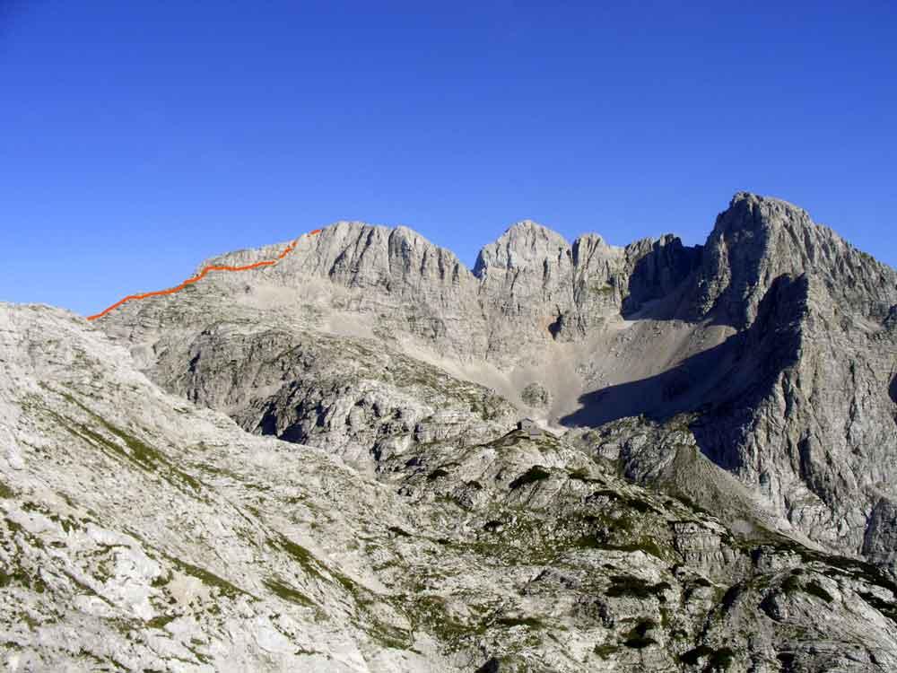Foto: Datzi / Wander Tour / 4-Tages Biwakrundtour in den Julischen Alpen mit 3.Gipfelanstiegen (Triglav-Razor-Skrlatica) mit Klettersteig C-D / Abstieg Gamsovec ( Blick von dem Pogacnikov Dom ) / 04.09.2009 18:38:57