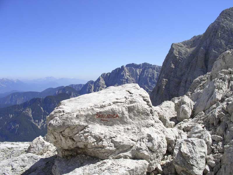 Foto: Datzi / Wander Tour / 4-Tages Biwakrundtour in den Julischen Alpen mit 3.Gipfelanstiegen (Triglav-Razor-Skrlatica) mit Klettersteig C-D / Wegkreuzung zum Anstieg zum Dolkova spica bzw Abstieg ins Vratatal! / 05.09.2009 09:46:16