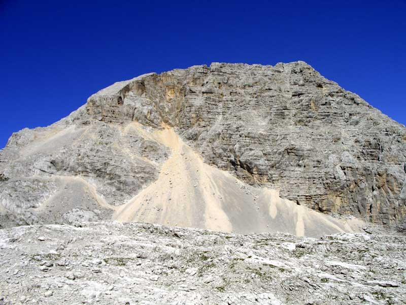 Foto: Datzi / Wander Tour / 4-Tages Biwakrundtour in den Julischen Alpen mit 3.Gipfelanstiegen (Triglav-Razor-Skrlatica) mit Klettersteig C-D / Der Anstieg zum Dolkova spica Übergang / 05.09.2009 09:47:08