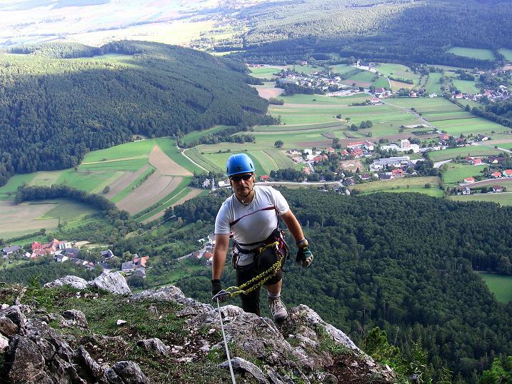 Foto: Andreas Koller / Klettersteig Tour / Klettersteig Steirerspur (1132m) / Einstieg in die Wand = Abstieg / 08.09.2009 00:59:40