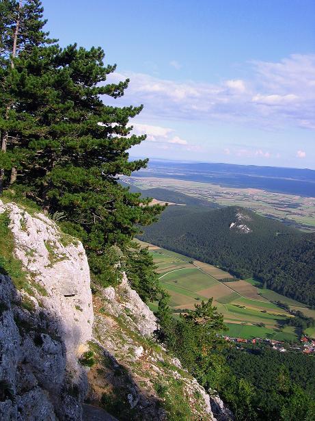 Foto: Andreas Koller / Klettersteig Tour / Klettersteig Steirerspur (1132m) / Blick nach O Richtung Wien / 08.09.2009 00:55:39