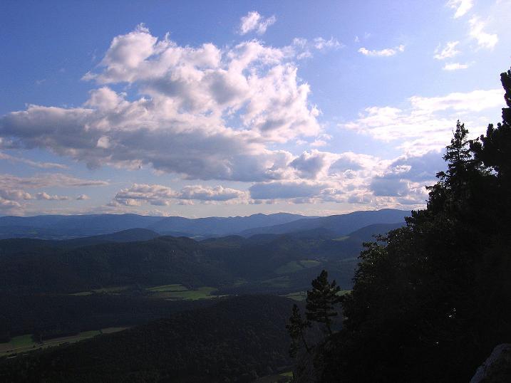 Foto: Andreas Koller / Klettersteig Tour / Klettersteig Steirerspur (1132m) / Blick Richtung Semmering / 08.09.2009 00:55:21