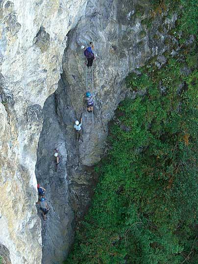 Foto: Thomas Neuner / Klettersteig Tour / Angy Eiter Route / Tritthilfe beim 'leichten' Klettersteig / 09.09.2009 09:03:46