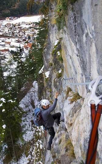 Foto: Thomas Neuner / Klettersteig Tour / Angy Eiter Route / Durch die gute Lage ist teilweise auch eine Begehung im Winter möglich. / 09.09.2009 08:33:30