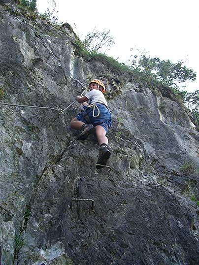 Foto: Thomas Neuner / Klettersteig Tour / Angy Eiter Route / Peters 'Bua' beim leichten Klettersteig / 09.09.2009 08:42:30