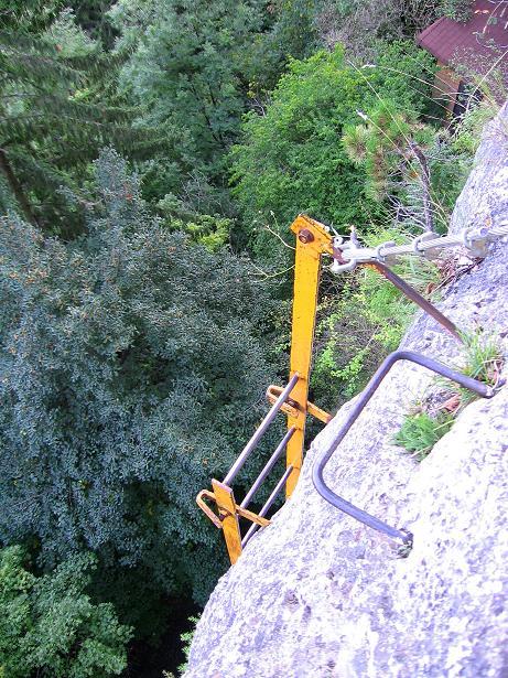 Foto: Andreas Koller / Klettersteig Tour / Währinger Steig (630 m) / Die ausgesetzte Leiter / 10.09.2009 22:56:40