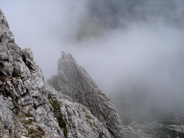 Foto: Manfred Karl / Kletter Tour / Großer Falzaregoturm, Westwand / Blick zum Kleinen Falzaregoturm / 10.09.2009 21:09:09