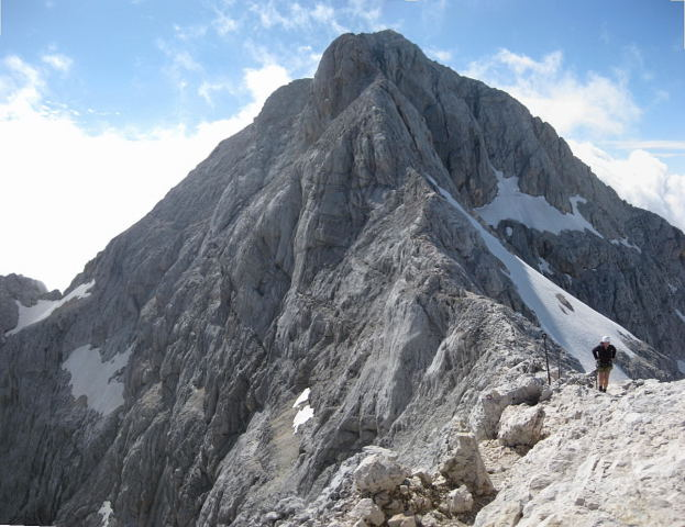 Foto: Wolfgang Lauschensky / Klettersteig Tour / Triglav Überschreitung Bambergweg - Ostgrat / Blick vom Kleinen Triglav zurück zum Großen / 11.09.2009 20:47:55