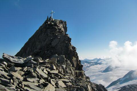 Foto: Thomas Paschinger / Wander Tour / Hintere Schwärze, Marzellspitzen, Similaun und Finailspitze / Gipfelaufbau Hintere Schwärze, 3624m / 13.09.2009 15:12:49
