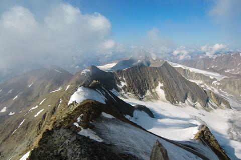 Foto: Thomas Paschinger / Wander Tour / Hintere Schwärze, Marzellspitzen, Similaun und Finailspitze / der weitere Wegverlauf über die Marzellspitzen zum Similaun / 13.09.2009 15:13:50