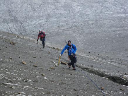 Foto: Thomas Paschinger / Wander Tour / Hintere Schwärze, Marzellspitzen, Similaun und Finailspitze / am Fuße des Similaun Ostgrats / 13.09.2009 15:18:26
